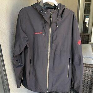 Mammut GoreTex hooded rain jacket. Size Large